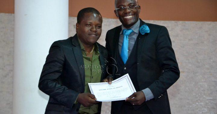 Músicos e Pastores distinguidos em Luanda