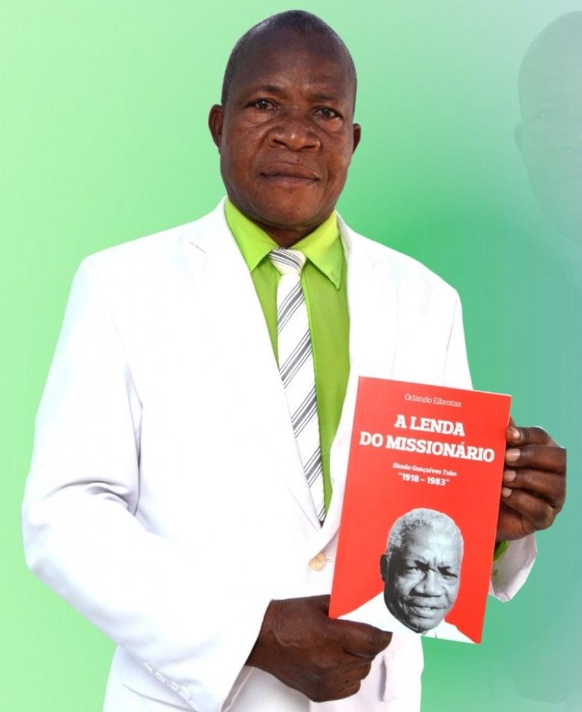 Reverendo-Julião-Tchundo-Katemba-um-dos-autores-837x1024