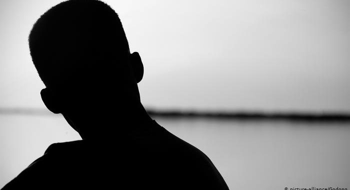 """Números de suicídio em Angola preocupam psicólogos: """"Podem ser maiores que os divulgados"""""""