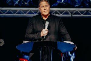 Cristãos que pagam dízimos são protegidos contra o coronavírus, afirma o pastor Brian Tamaki