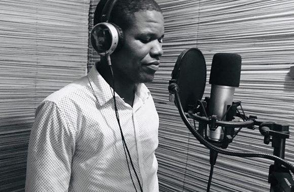 Trajectória: Conheça o vice presidente da Associação dos Poetas gospel de Luanda.