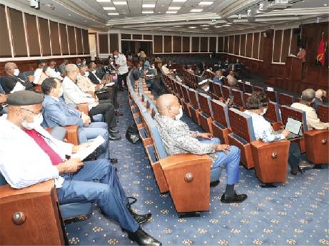 Governo pretende reduzir imposto das viaturas de igrejas e ONG's